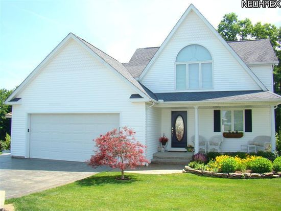 1113 Evening Star Dr, Roaming Shores, OH 44085