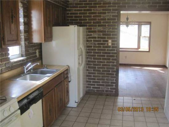3556 Wallace Dr, Pittsburgh, PA 15227