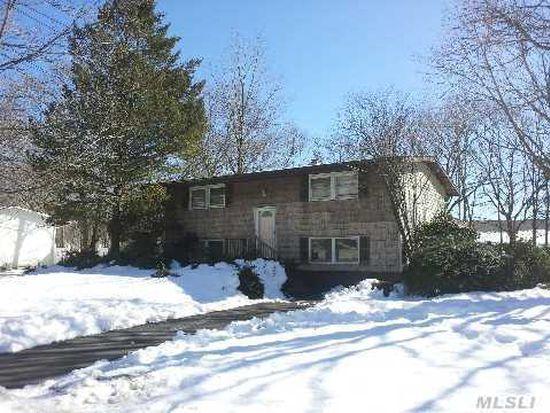 36 Arrowhead Ln, East Setauket, NY 11733