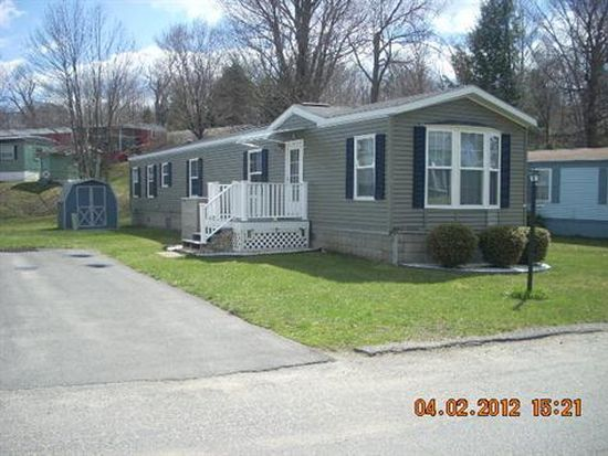 19 Lakewood Dr, Pittsfield, MA 01201