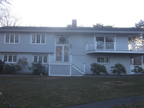 2 Ocean View Dr, Gloucester, MA 01930
