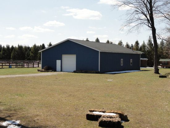 23437 Thomas Rd, Cambridge Springs, PA 16403
