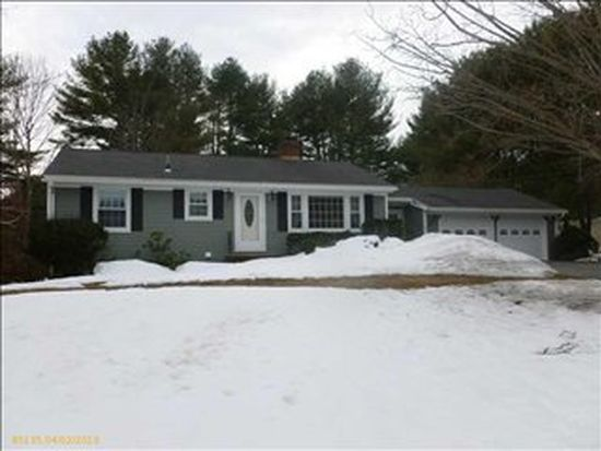 15 Hedgerow Dr, Cumberland, ME 04021
