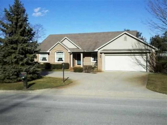 112 Krider Dr, Middlebury, IN 46540