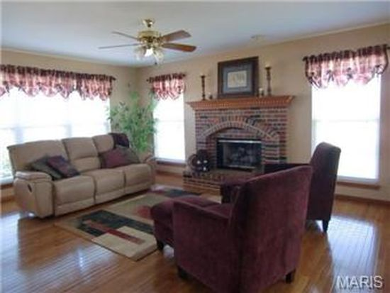 506 Mission Bay Dr, Grover, MO 63040