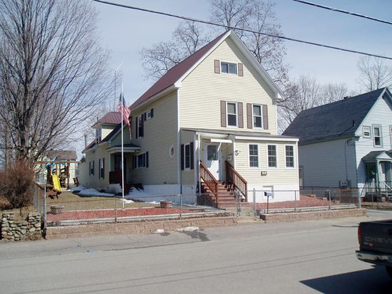 17 Arch St, Laconia, NH 03246