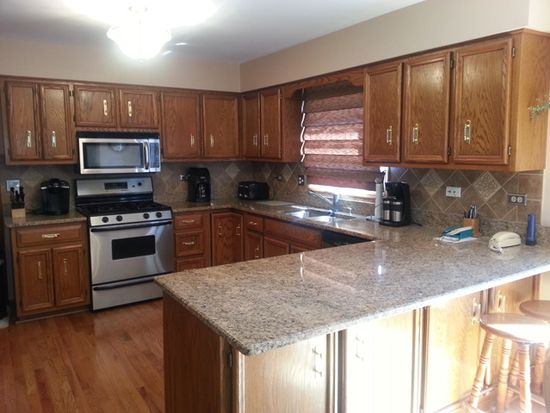1004 Canyon Run Rd, Naperville, IL 60565