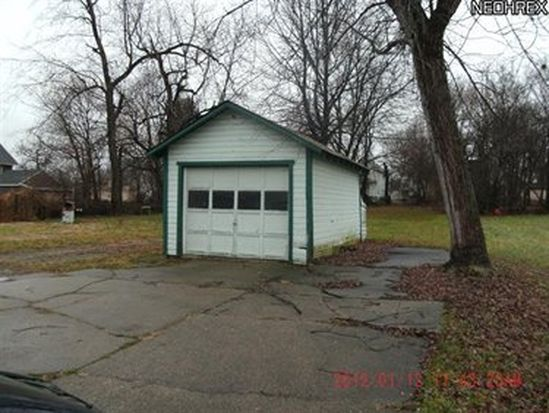 524 S Loveless Ave, Youngstown, OH 44506