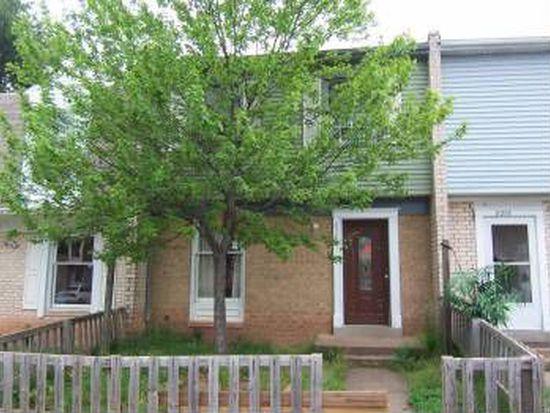 8280 White Pine Dr, Manassas Park, VA 20111