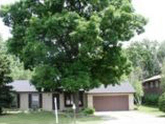 1408 Woodland Ln, Mchenry, IL 60051
