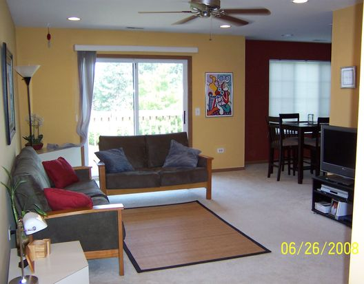 869 Golf Course Rd UNIT 3, Crystal Lake, IL 60014