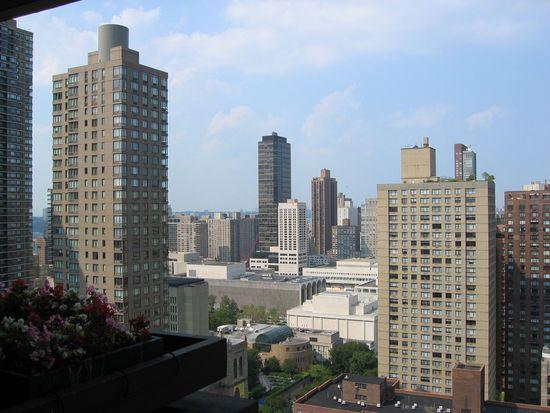 347 W 57th St APT 33B, New York, NY 10019
