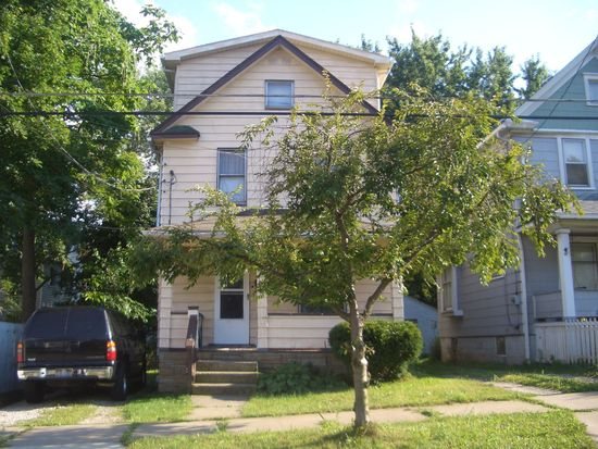 1004 Boone St, Akron, OH 44306
