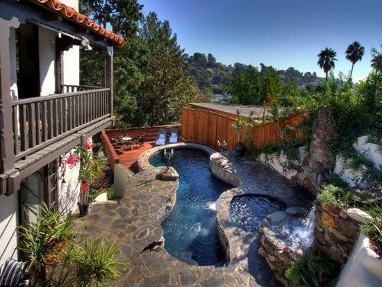 2577 Dearborn Dr, Los Angeles, CA 90068