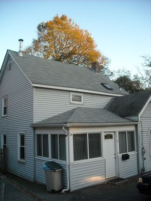 17 Marion St, Natick, MA 01760