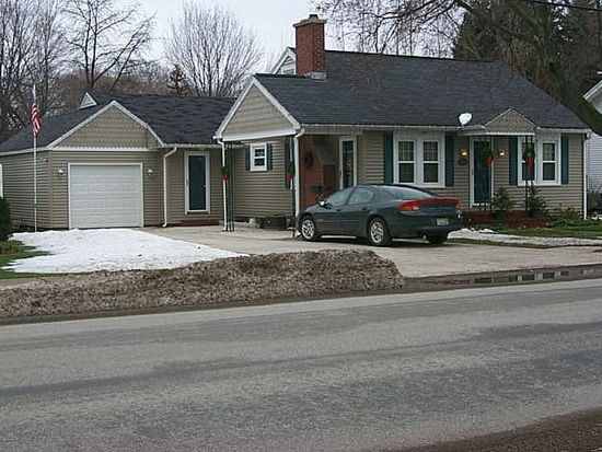 434 Lake St, Girard, PA 16417