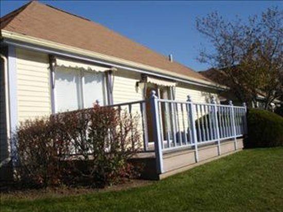 905 Victoria Dr, Woodstock, IL 60098