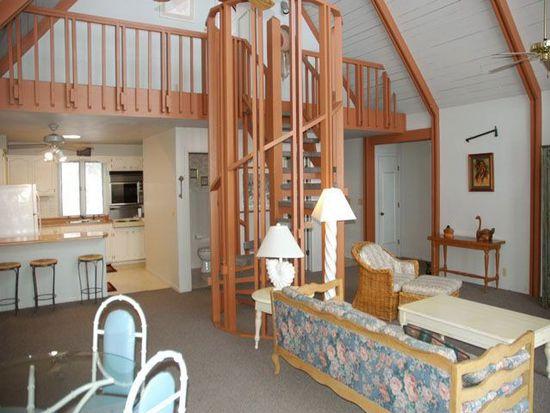 94 Ginger Cove Rd, Valley, NE 68064