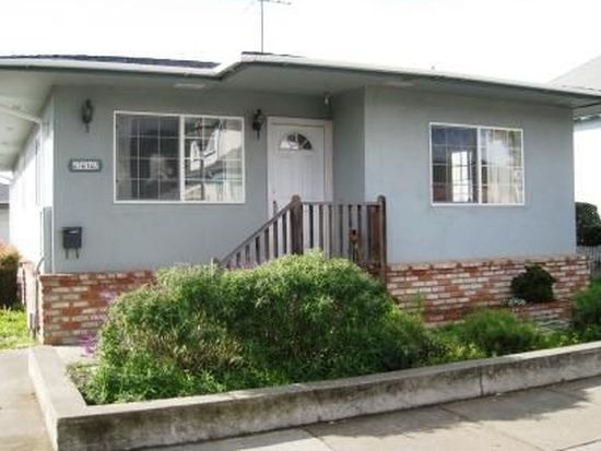 712 Main St, Half Moon Bay, CA 94019