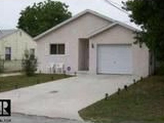 1792 Sylvan Dr, Clearwater, FL 33755