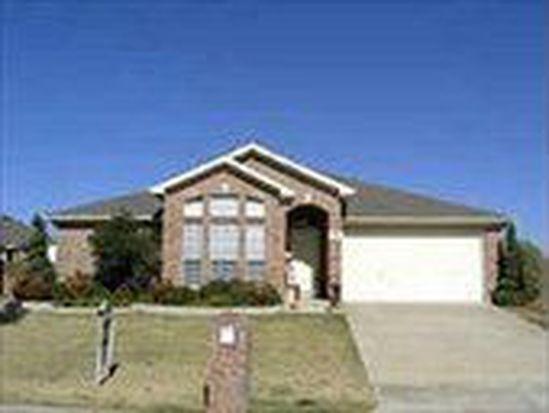 633 Douglas Dr, Mansfield, TX 76063