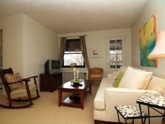 767 College Ave APT 304, Pittsburgh, PA 15232