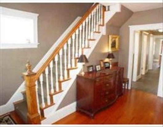97 Chestnut St, Andover, MA 01810