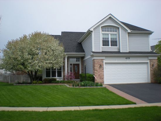 4275 Greenfield Ln, Lake In The Hills, IL 60156