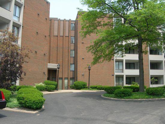 900 Washington Rd APT 304, Pittsburgh, PA 15228