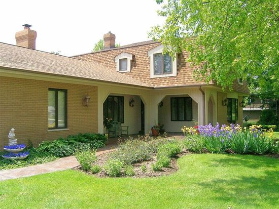 36W125 Indian Mound Rd, St Charles, IL 60174