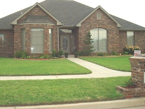 2001 SW 32nd St, Moore, OK 73170