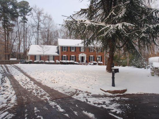 8504 E Lake Ct, Raleigh, NC 27613