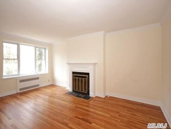 160 S Middle Neck Rd APT 3G, Great Neck, NY 11021