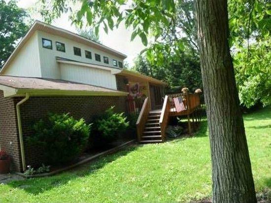 156 Birdhouse Ln, Elkview, WV 25071