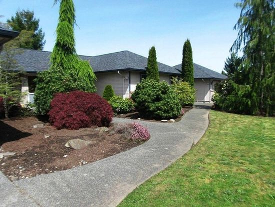 601 Honeysuckle Dr, Mount Vernon, WA 98273