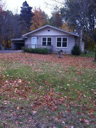 1175 S Carriage Hill Dr, Traverse City, MI 49686