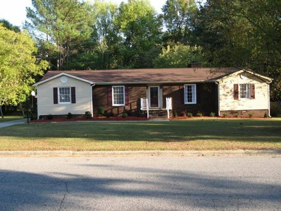 2909 Ellsworth Dr, Greenville, NC 27834