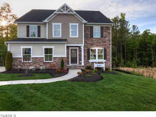 3033 Hunton Cottage Ln, Glen Allen, VA 23059