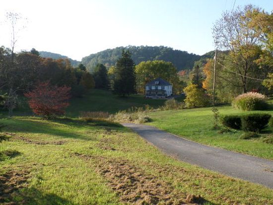 634 Nemours Valley Rd, Bluefield, WV 24701