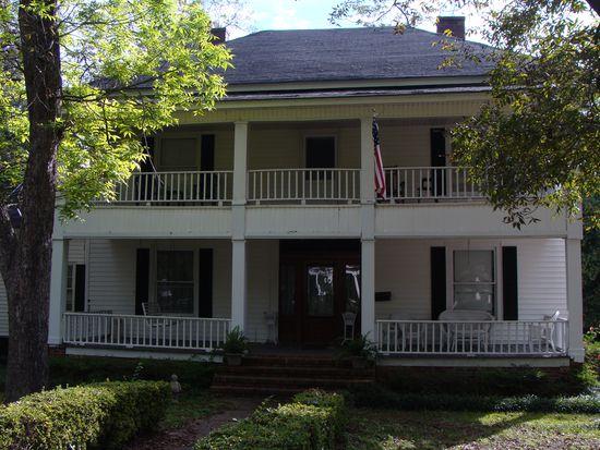 240 N Harris St, Sandersville, GA 31082