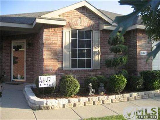 652 Horn St, Crowley, TX 76036
