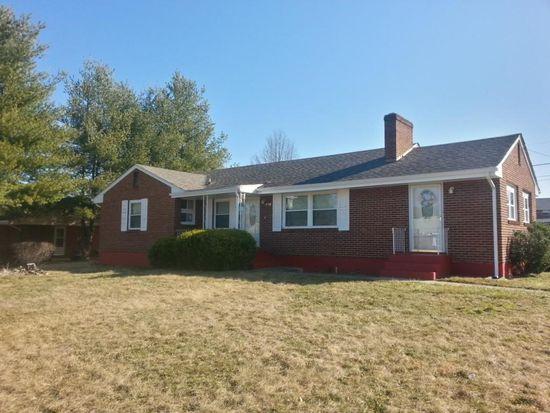 1701 Fairhope Rd NW, Roanoke, VA 24017