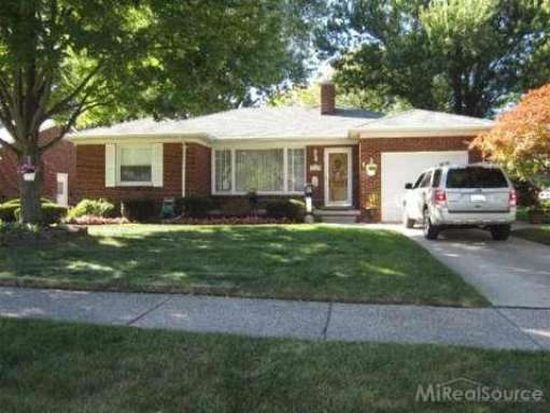 19791 Ida Ln W, Grosse Pointe Woods, MI 48236