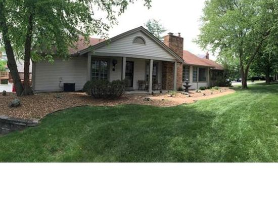 2306 Manor Grove Dr, Chesterfield, MO 63017