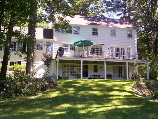 82 Lake Wind Rd, New Canaan, CT 06840
