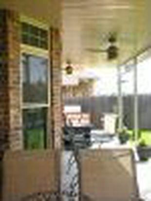 2044 SW 33rd St, Moore, OK 73170