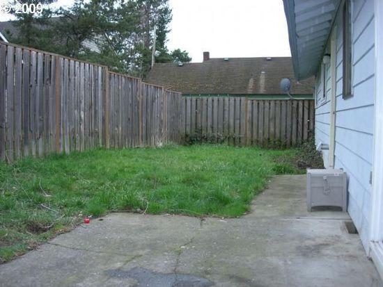 12915 NW Dogwood St, Portland, OR 97229