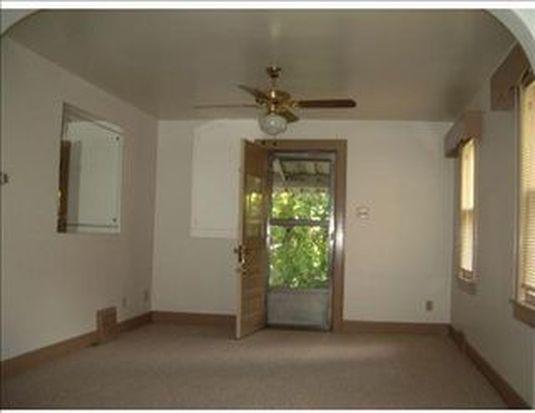 1733 Hallowell St, Pittsburgh, PA 15210