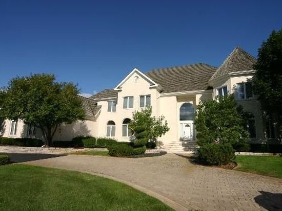 38 Willow Bay Dr, South Barrington, IL 60010