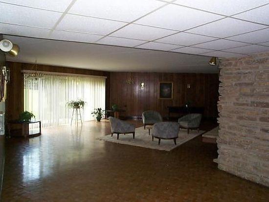 5540 Walnut Ave APT 7A, Downers Grove, IL 60515